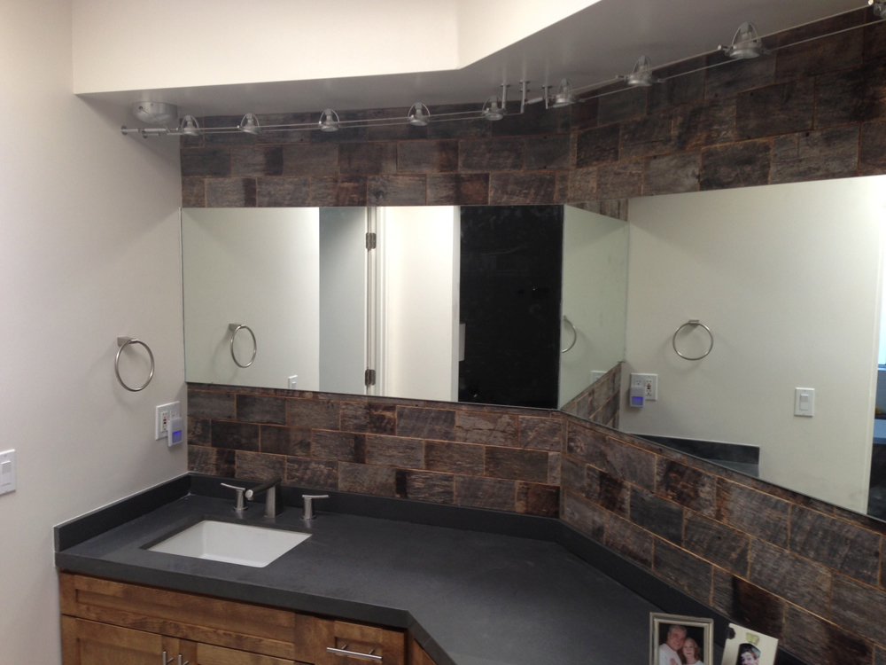 1000 images about barnwood bricks installations on for Barn board bathroom ideas